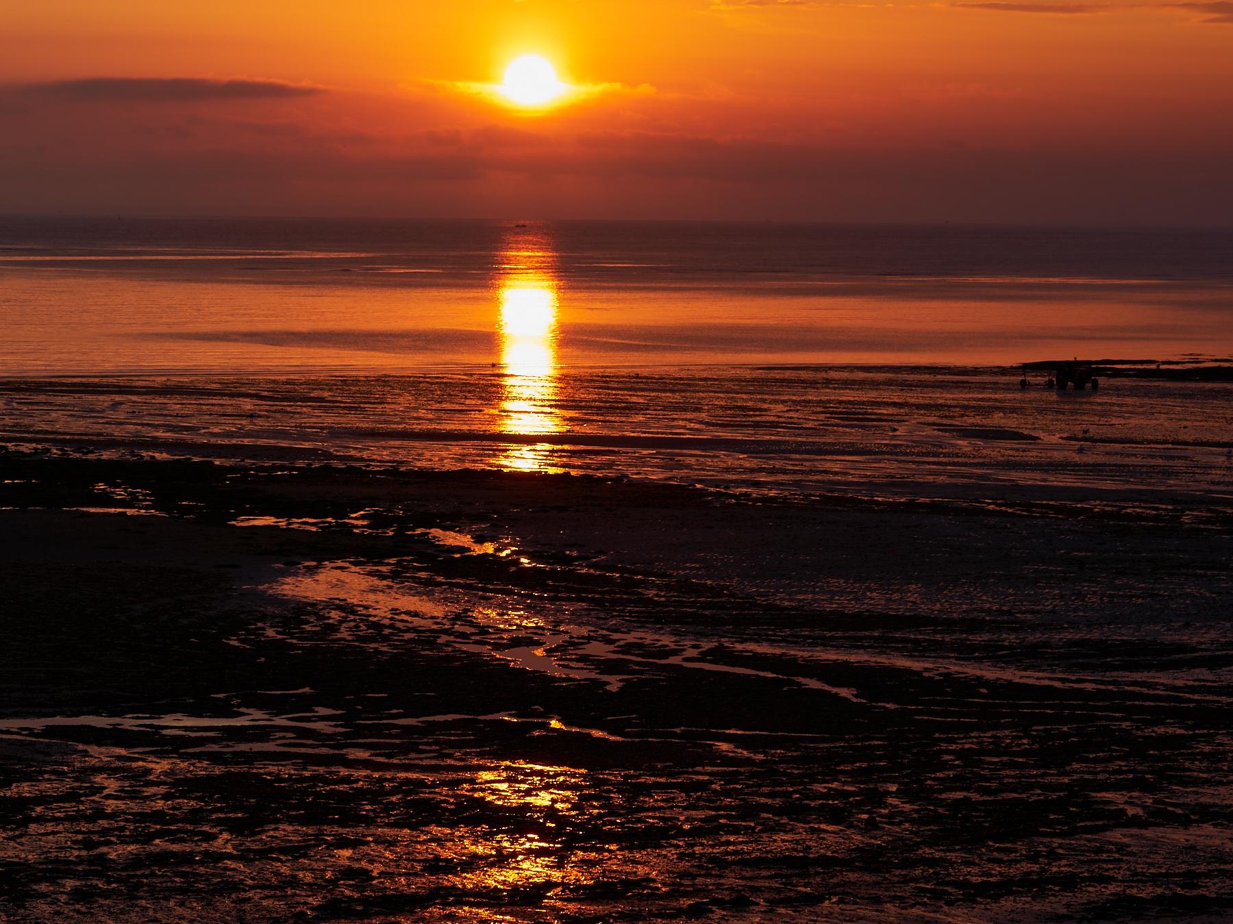 Sunrise4_SwordBeach