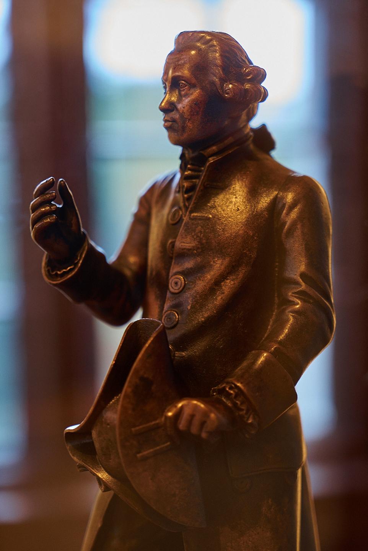 Immanuel_Kant_Figurine