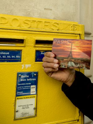 Paris_Mailbox.jpg